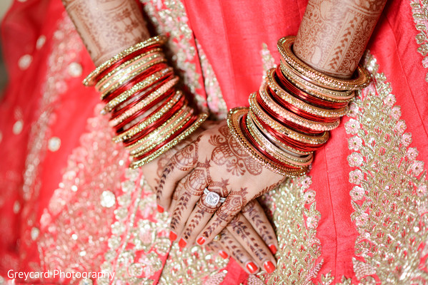 indian bride,indian bridal jewelry,indian bridal mehndi,indian bridal bangles