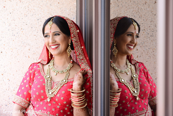 indian bride,indian bridal jewelry,indian bridal ceremony outfit,indian bridal hair and makeup