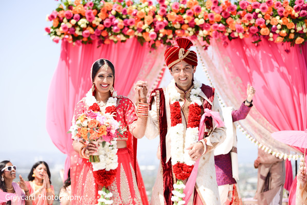indian bride and groom,indian wedding ceremony fashion,indian wedding ceremony rituals