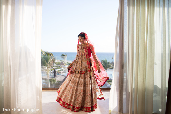 indian bride,bridal lengha,indian bridal ceremony fashion,maharani jewelry