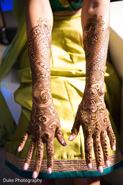 mehndi art,indian pre-wedding celebration,indian pre-wedding fashion,indian bride