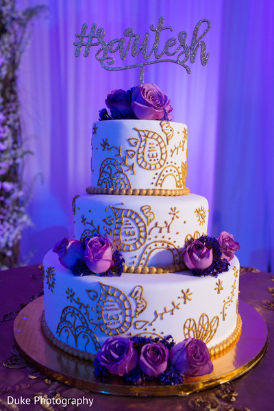 Magnificent Indian wedding cake decor.