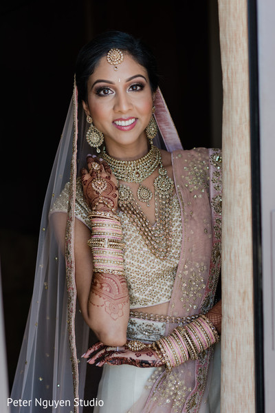 indian bride style,indian bride look,bridal hair and makeup