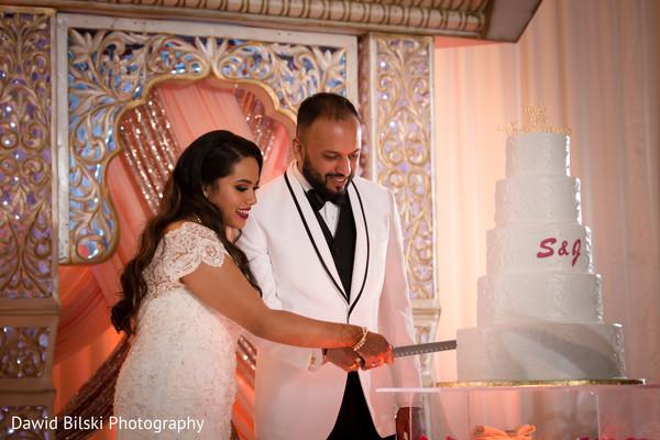 wedding cake,indian couple,indian wedding,style