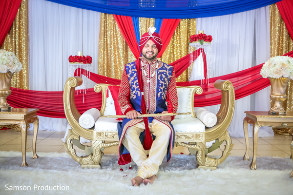 Dazzling portrait of the Indian groom ready for the ceremony.