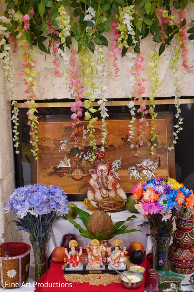 Indian wedding Ganesha, Shiv and Parvati gods decor.