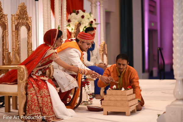 indian bride and groom,indian wedding ceremony fashion,indian wedding ceremony rituals,agni