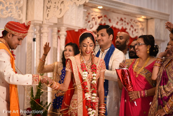 indian bride and groom,indian wedding ceremony fashion,indian wedding ceremony rituals,agni pradakshina