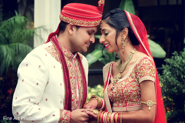 indian bride and groom,indian wedding ceremony fashion,indian jewelry