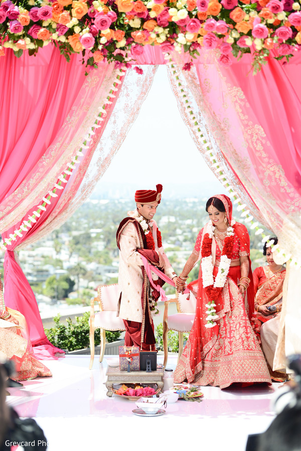 indian bride and groom,indian wedding ceremony fashion,indian wedding ceremony ritual.