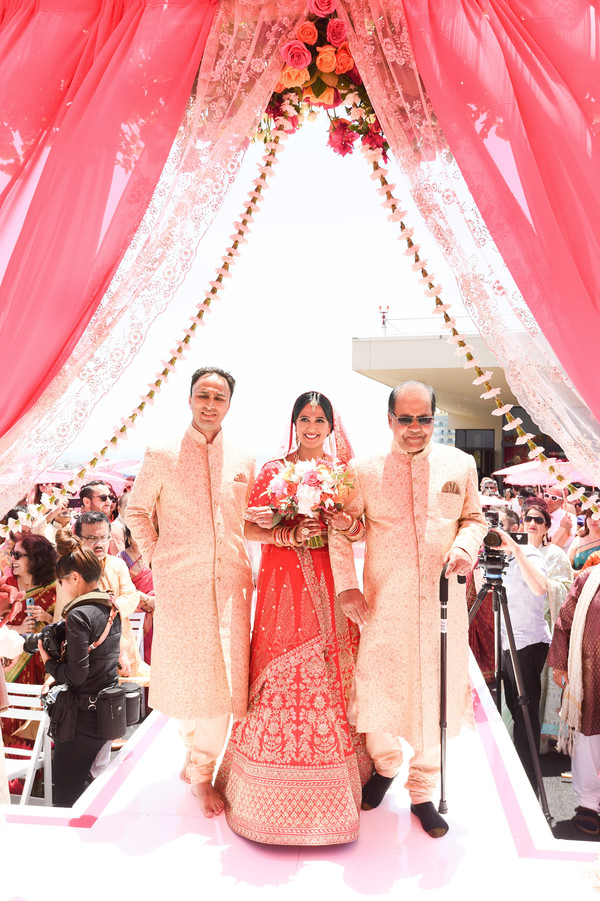 indian bride,indian wedding ceremony fashion,indian wedding ceremony ritual.