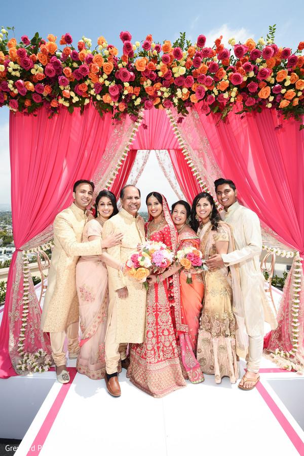 indian bride,indian wedding ceremony fashion,mandap