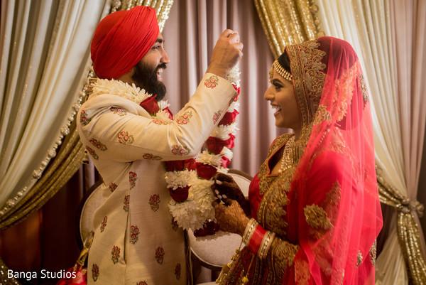 indian bride and groom,indian wedding ceremony,indian wedding ritual,indian wedding ceremony fashion