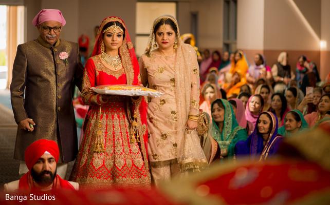 indian bride,indian bridal parents,indian wedding ceremony,indian wedding fashion