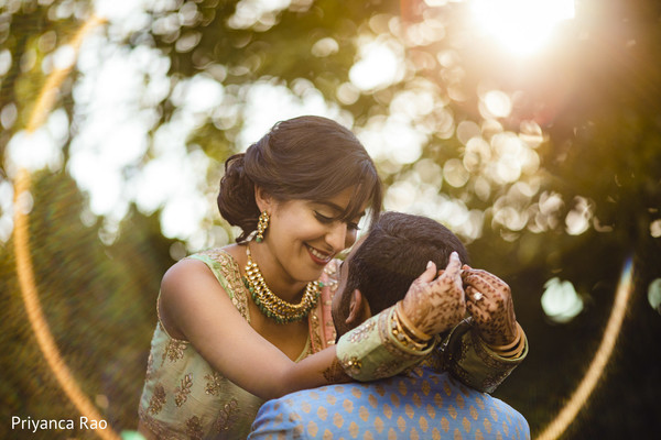 Lovely capture of maharani and groom holding each other.