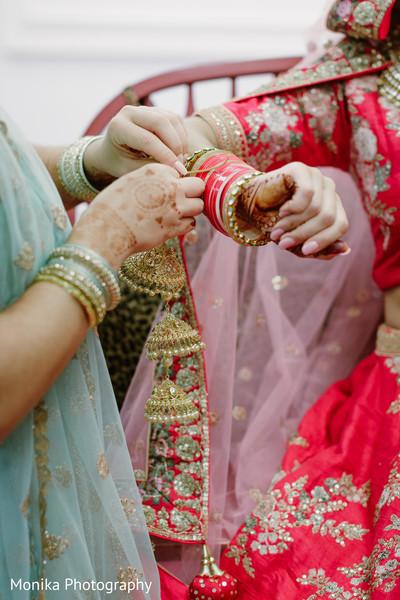 Indian bride's wedding jewelry capture