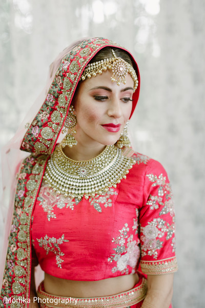indian bride makeup,indian bride hairstyle,indian bride fashion