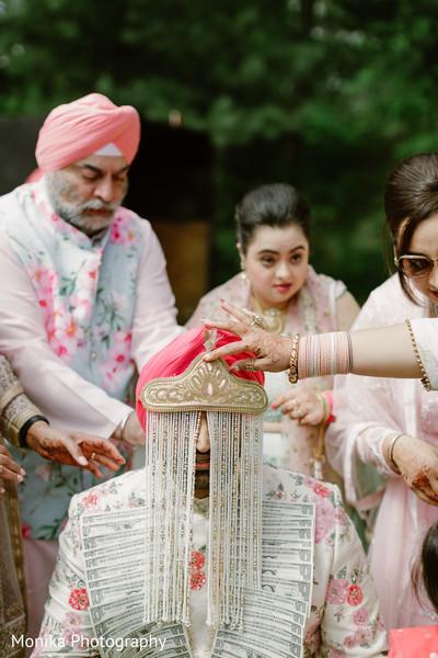 indian groom fashion,baraat