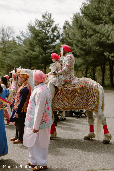 baraat,white horse,indian groom fashion