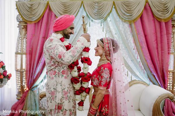 indian wedding,jaimala,mandap