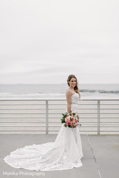 white wedding dress,bridal bouquet,fusion wedding