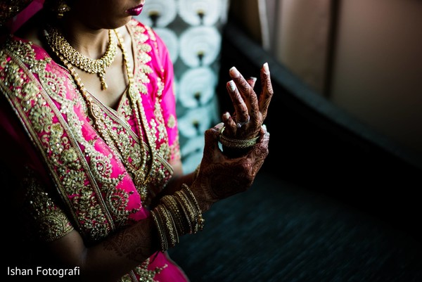 Beautiful maharani's mehndi design and bridal jewelry