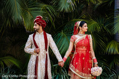 Enchanting Indian lovebirds outdoor photo shoot.