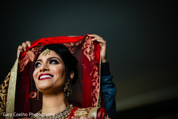 indian bride,indian bridal ghoonghat,indian bride getting ready,indian bridal fashion