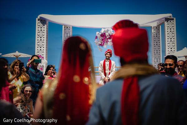 indian groom,indian wedding ceremony fashion,mandap