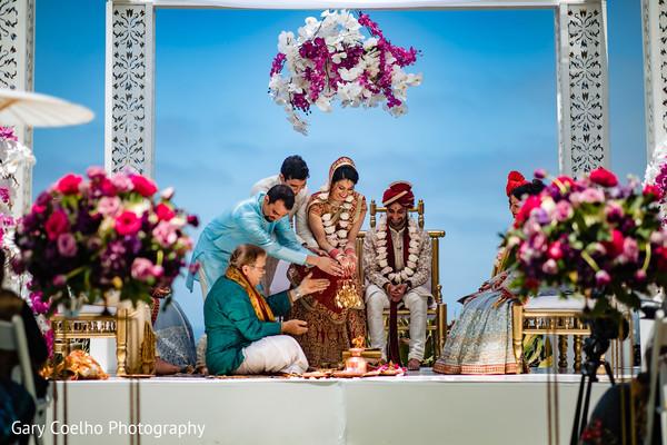 indian bride and groom,indian wedding ceremony fashion,indian wedding ceremony rituals,mandap