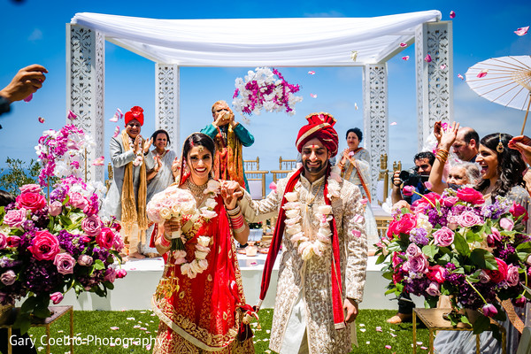 indian bride and groom,indian wedding ceremony fashion,indian wedding ceremony rituals