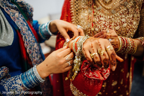 indian bride,indian bridal jewelry,indian bride getting ready,indian bridal ceremony fashion