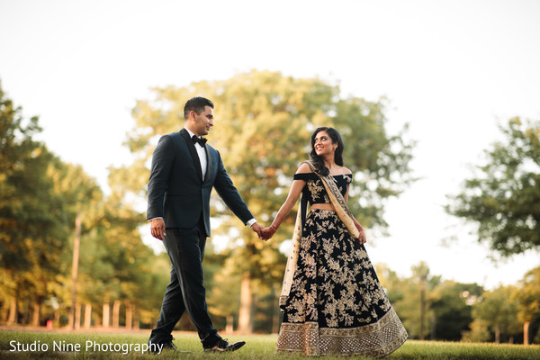 indian wedding,indian couple,outdoors,maharani