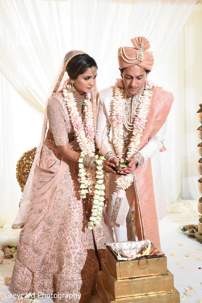 indian bride,indian wedding ceremony fashion,indian wedding ceremony ritual