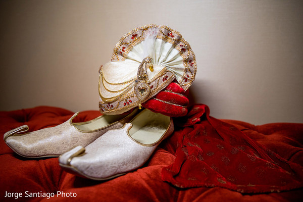 Detail of the Indian wedding accessories to be used by the Indian groom