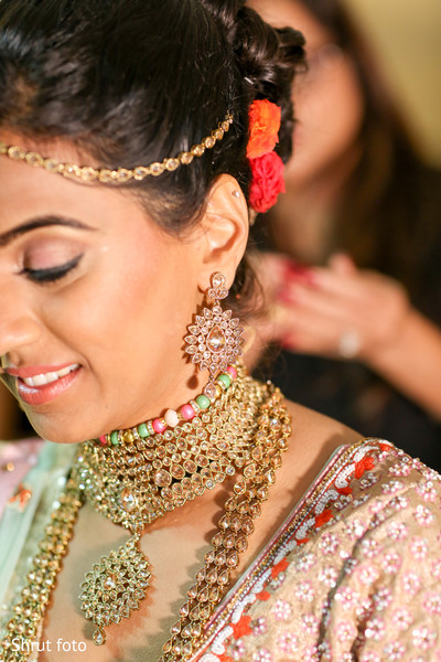 Capture of the beautiful Indian bridal jewelry details