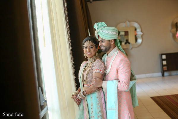 Maharani and Indian groom inside during the session