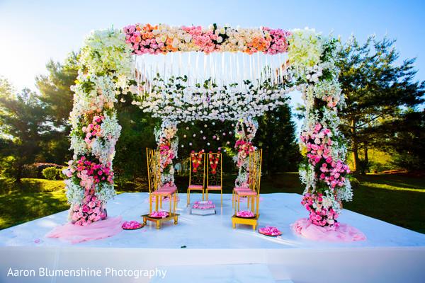 mandap,outdoor mandap,floral and decor