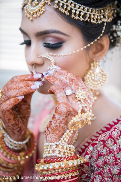 indian bride jewelry,mehndi,getting ready