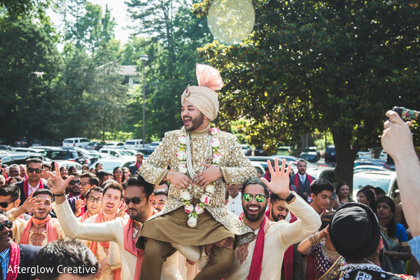 indian wedding,baraat,indian groom,guests