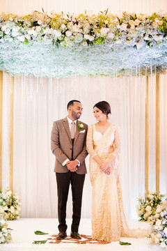 Lovely capture of the Indian couple under the mandap