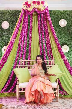 Maharani enjoying her mehndi party
