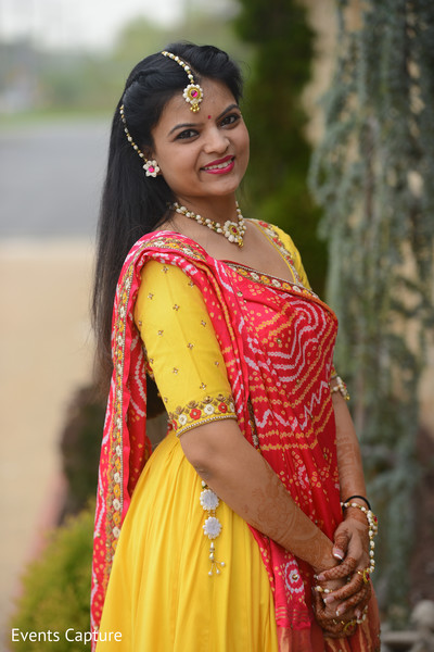 Gorgeous Indian bride on her haldi outfit capture.