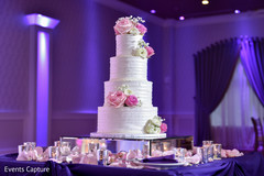Marvelous Indian wedding cake rose decorations capture.