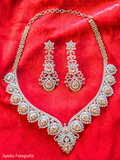 Gorgeous indian bride jewelry set