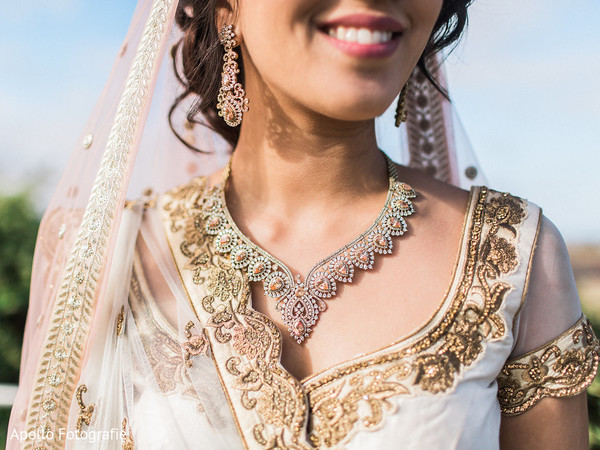 Stunning indian bride necklace