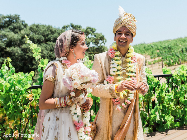 indian wedding,maharani,indian groom,floral arrangements