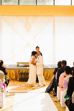 Take a look at this romantic Indian wedding ceremony.