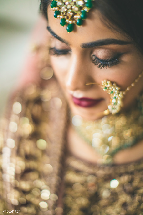 indian bride jewelry,tikka,indian bride makeup