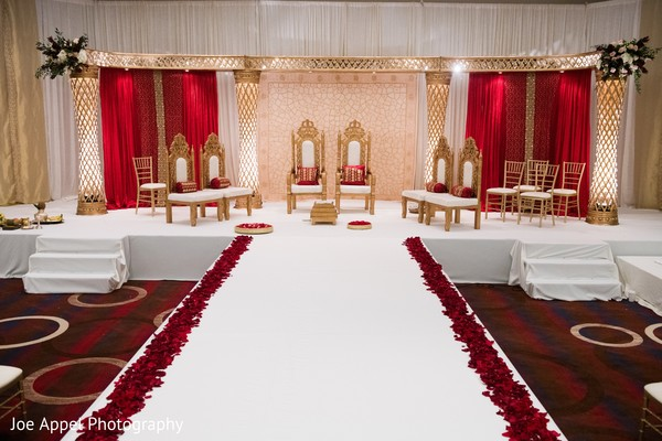Overview of the decoration of the Indian wedding stage